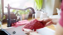Eti yıkamadan yiyin