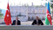 Cumhurbaşkanı Erdoğan Türkiye-Galler karşılaşmasını tribünlerde takip etti