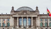 Almanya'da Halle belediye başkanı sırası gelmeden aşı yaptırdığı için görevinden uzaklaştırıldı