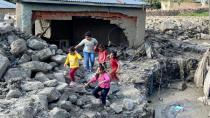 İBB'den Van'daki sel bölgesine yardım